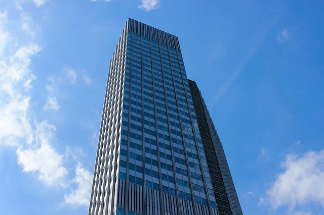 building-911688_640